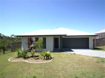 Modern Lowset Home in Highland Reserve