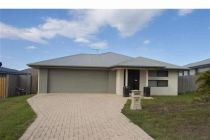 Quality Lowset Modern Family Home